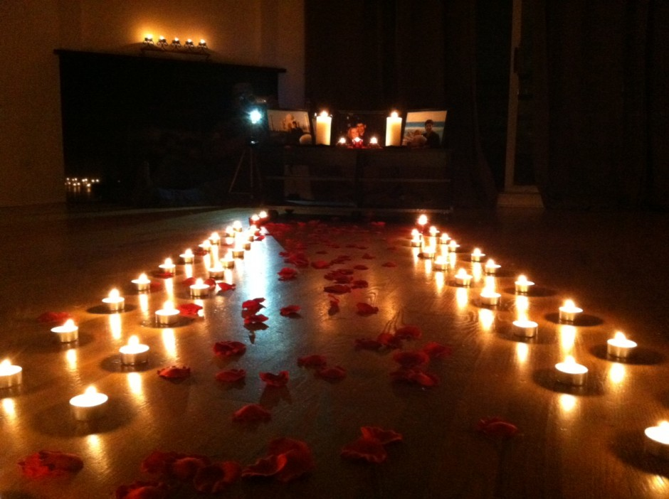 can-din-1-entrance-romantic-candle-light