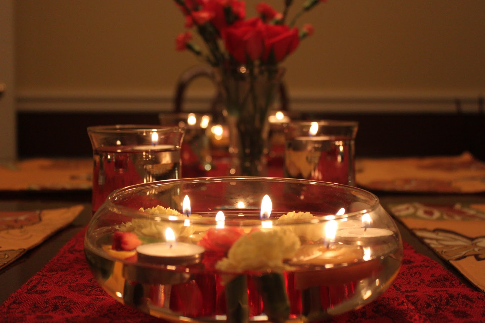 cann-din-7-floating-candles-romantic-dinner