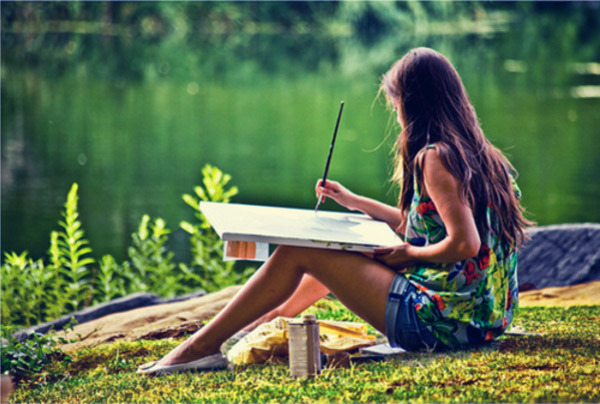 artist-2-girl-painting-alone-nature