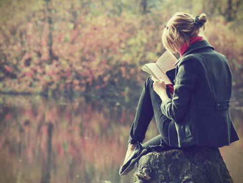 bookworm-5-girl-reads-book-nature-peace-alone