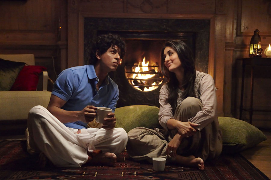 fitness-7-featured-image-srk-kareena-ra-one-traits-3-confused-alone-together-coffee-home-couple-love